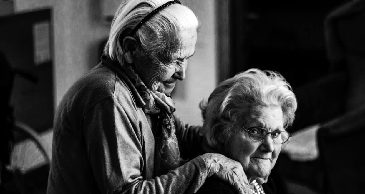 comparing nursing homes and assisted living
